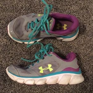 Under Armour 12 kids tennis shoes